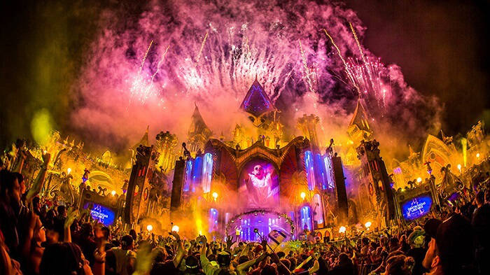 main stage at tomorrowland festival