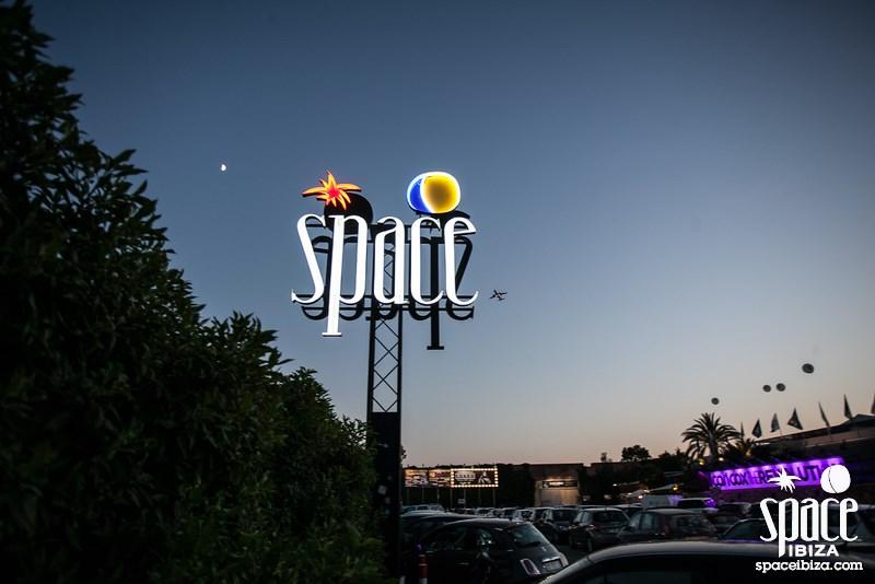 space ibiza sign